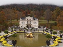 памятники ludwig linderhof короля Баварии ii большая часть один дворец восстановили посещенное царствование Стоковые Фотографии RF