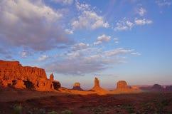 Памятники Mittens Юты Аризоны долины памятника дезертируют ландшафт Стоковые Фото