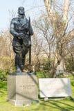 Памятник болгарских авиаторов в центре Софии стоковая фотография