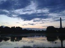 Памятник Вашингтона перед восходом солнца Стоковые Фото