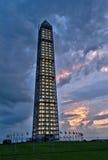 Памятник Вашингтона после шторма стоковые фотографии rf