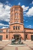 памятник Вод-несущей перед зданием водонапорной башни, вселенной комплекса музея воды, Санкт-Петербурга Стоковое Изображение RF