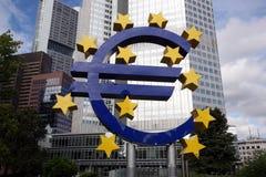 Памятник евро Стоковые Фото
