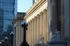 Памятник классической архитектуры стоковые изображения