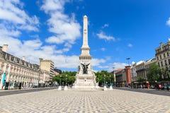 Памятник к восстановителям на квадрате Лиссабоне Restauradores Стоковые Изображения