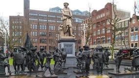 Памятник к голландскому художнику Рембрандту Амстердаму, Нидерландам Стоковая Фотография RF