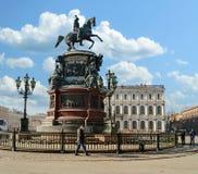 Памятник к императору Николасу i на квадрате St Исаак в Санкт-Петербурге Стоковые Фотографии RF