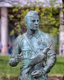 Памятник к неизвестному солдату скульптура второй мир войны стены Стоковые Фото