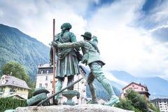 Памятник к первым и вторым альпинистам на Монблане Стоковая Фотография