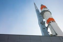 Памятник к ракете стоковые изображения rf