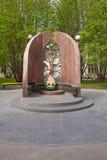 Памятник к солдатам которые умерли в проведении воинской обязанности для того чтобы защитить интересы отечества стоковое изображение rf