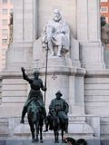 Памятник Мигеля Cervantes - наденьте Quijote и Sancho Panza, Мадрид, Испанию стоковая фотография