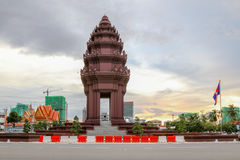 Памятник независимости один из ориентир ориентира в Пномпень, Камбодже Стоковая Фотография