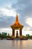 Памятник независимости один из ориентир ориентира в Пномпень, Камбодже Стоковая Фотография RF