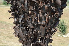 Памятник шахт, гранат, пуль и частей раковины Вспомнить выходцев ужасов войны больш имеет патриотическое, котор остали войну бака Стоковые Изображения RF