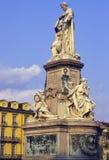 Памятник Cavour в Carlina аркады, Турин Италии Стоковые Фото