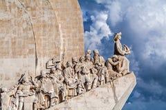 Памятник dos Descobrimentos Лиссабона, Португалии - Padrao Памятник открытий моря стоковая фотография rf