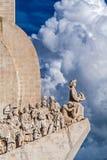 Памятник dos Descobrimentos Лиссабона, Португалии - Padrao Памятник открытий моря стоковое фото rf