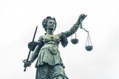 Памятник Justitia - Франкфурт Стоковые Изображения RF