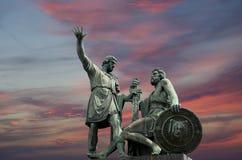 Памятник Minin и Pojarsky (раскрыл в 1818), красная площадь в Москве Стоковое Изображение RF