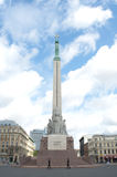 памятник riga latvia почетности предохранителя свободы Стоковые Изображения