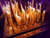 память горящие свечки стоковая фотография rf