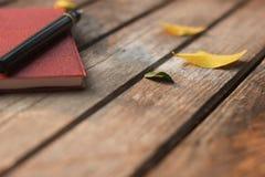 Память ручки и тетради в лете Стоковые Фотографии RF