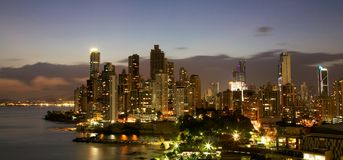Панама (город) Панама на ноче Стоковые Фотографии RF