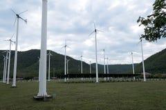 Панель солнечных батарей, фотовольтайческий, альтернативный источник электричества стоковая фотография rf