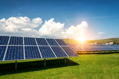 Панель солнечных батарей, фотовольтайческий, альтернативный источник электричества - conc Стоковое Изображение RF