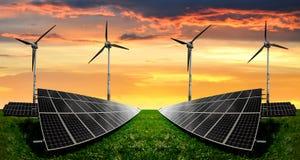 Панели солнечной энергии стоковые фото
