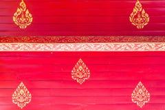 Панели старого, красного grunge деревянные вертикальные на деревенском амбаре Стоковая Фотография RF