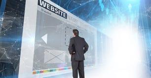 панели с коридором вебсайтов бизнесмен смотря до одно из их Стоковые Изображения