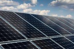 Панель солнечных батарей и возобновляющая энергия Стоковые Фотографии RF