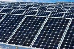Панель солнечных батарей, фотовольтайческий, альтернативный источник электричества стоковое изображение