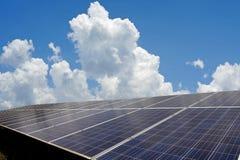 Панель солнечных батарей, фотовольтайческое альтернативное электричество стоковые изображения