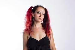 Панковская девушка с красными волосами Стоковая Фотография RF