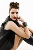 Панковская девушка с прикалыванным-вверх стилем причёсок Стоковые Фотографии RF
