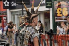 Панковская мода волос, городок Camdem, Лондон, Великобритания стоковые фотографии rf