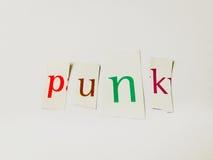 Панк - вырез формулирует коллаж смешанных писем кассеты с белой предпосылкой стоковое фото