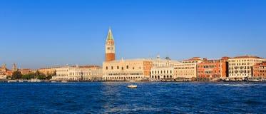 Панорама аркады Сан Marco в Венеции, от моря Стоковые Изображения RF