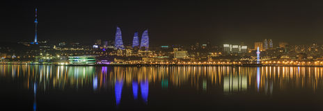 Панорама бульвара взморья в Баку пустословия стоковая фотография rf