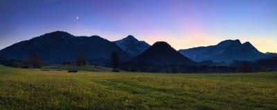 Панорама вечера гор Альпов Стоковое Фото