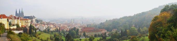 Панорама (взгляд) старого города в Прага Стоковые Фото