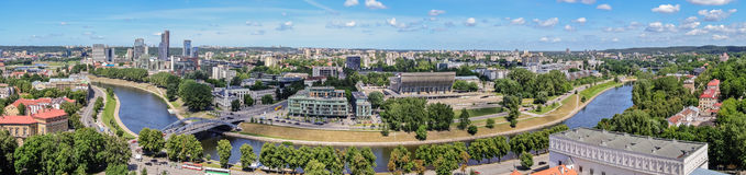Панорама - взгляд города Вильнюса от башни Gedimin Стоковое Изображение RF