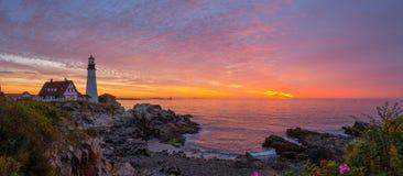 Панорама восхода солнца маяка головы Портленда Стоковая Фотография RF