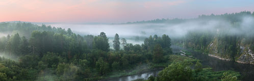 Панорама восхода солнца на реке Стоковое Фото