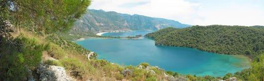 Панорама голубого индюка oludeniz лагуны и пляжа Стоковые Изображения RF