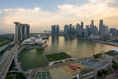 Панорама горизонта финансового района Сингапура и Сингапура sk стоковое фото rf