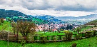 Панорама горного села Kalavryta стоковое фото rf